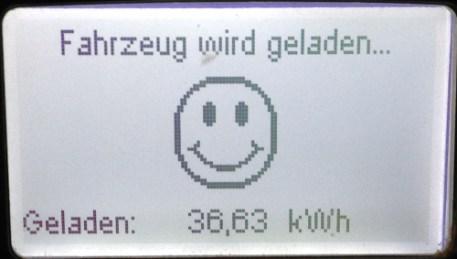 Anzeige der Kilowattstunden an der Ladesäule