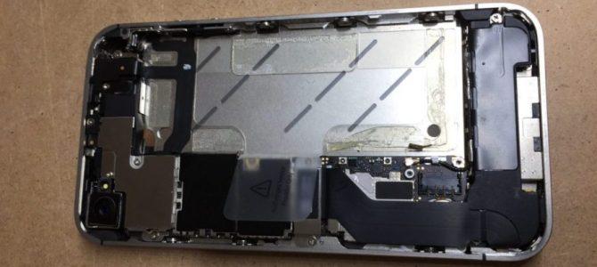 久しぶりにiPhone4s修理