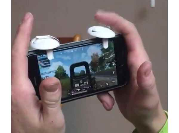 PUBG Mobile Controller DIY Hack Adds Shoulder Buttons To Phone For Easier Shooting