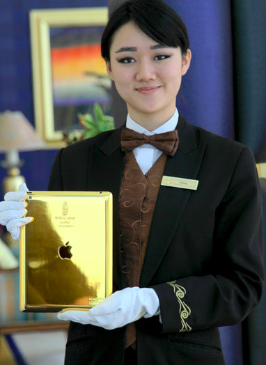 Hotel de Dubai disponibiliza iPad de ouro a todos os seus hóspedes