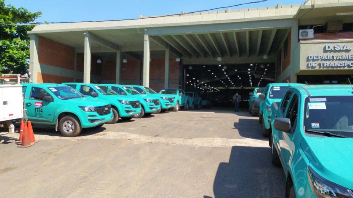 Ande entregó 12 nuevas unidades de vehículos