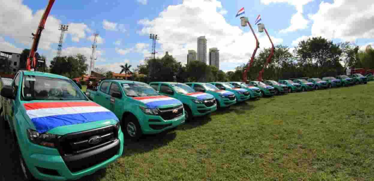 Ande adquire 14 nuevos vehículos para mejorar la atención y calidad del servicio eléctrico