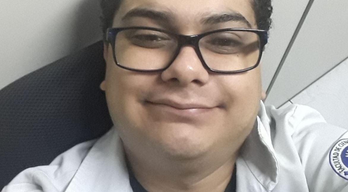 Fallece por COVID médico que no recibió vacuna