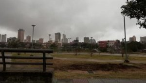 Jueves con clima cálido y lluvias dispersas