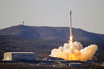SpaceX Falcon 9 v1.1. Via Wikimedia Commons