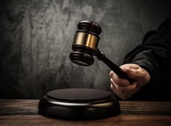 gavel-judge