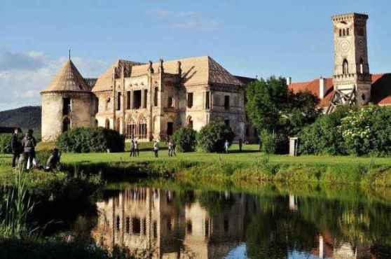 cum poti deveni proprietar al unui castel italian