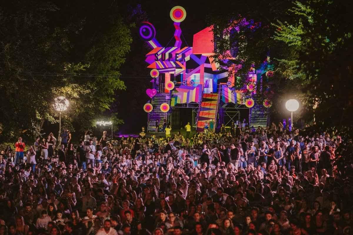cum să nu fii nesimțit la festivaluri