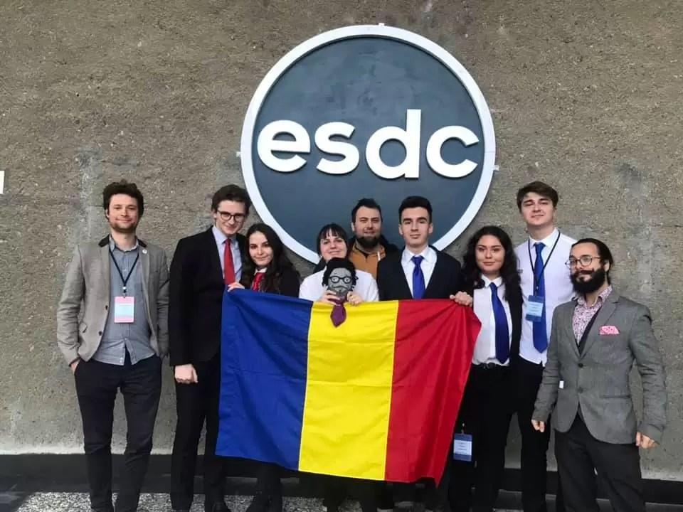Performanță unică la Competiția Eurasiatică de Dezbateri 2020 afiș