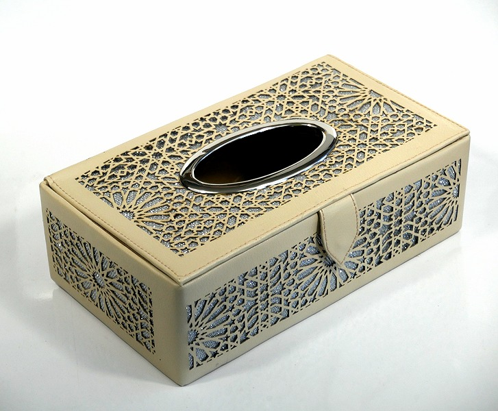 Boite A Mouchoirs Decorative En Cuir De Fabrication Artisanale Marocaine De Couleur Beige Objet De Decoration Idee Cadeau Oeuvre Artisanale