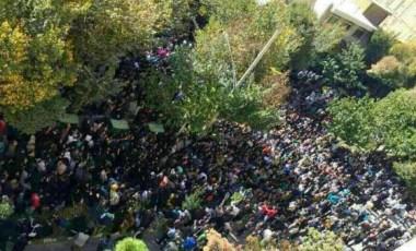 Tusentals i demonstration mot syraattack i Iran