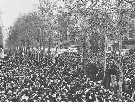 December 11, 1978: Demonstration on Shahreza (now Enqelab/Revolution) Ave.