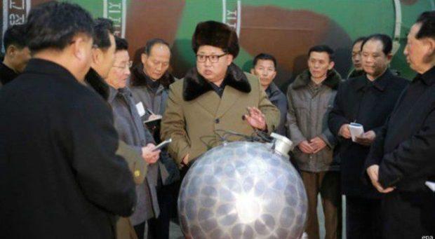 الزعيم الكوري الشمالي يقول إنه بلاده ستختبر قريبا رؤوس نووية