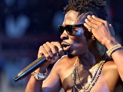 "Kwasea! Shatta Wale blasts ""Village Ghanaian Media"""