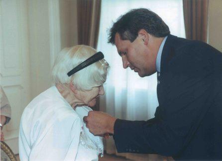 Irena receiving presidential decoration_6110710319_o