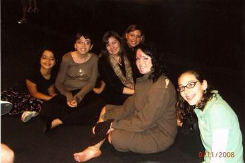 Cast members of Life in a Jar (Megan, Jessica, and Ellie) relax with three of our favorite girls in Florida, Tamar, Liora and Yael Lilienthal.