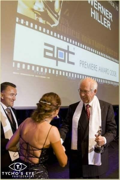 Zangeres Irene de Raadt als presentatrice van het APT Awards Gala in het Maritim Hotel in Düsseldorf.