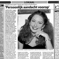Zangeres en zangdocente Irene de Raadt in het Amstelveens Nieuwsblad