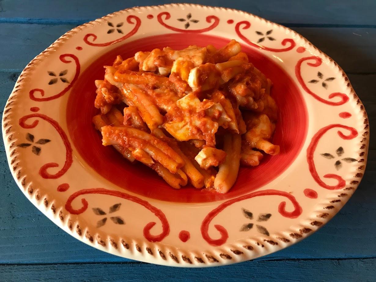Pasta alla Sorrentina con mozzarella e uova al forno