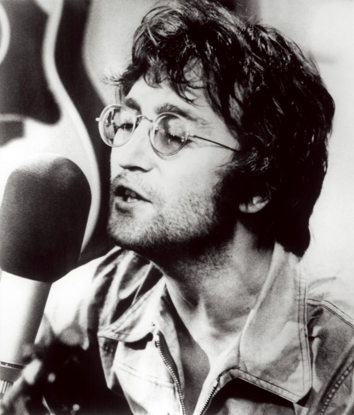 https://i1.wp.com/www.ireport.cz/images/ireport/clanky/Beatles/08_john_lennon.jpg