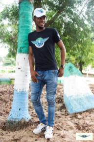 i rep salone colored t shirt black