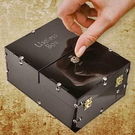Vollkommen unnütze Box