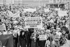 Sitzung im Magdeburger Rathau / Rentner-Demo - Alter Markt
