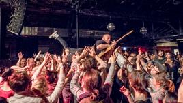 Tour of Tours –  HONIG, Tim Neuhaus, Jonas David, Town Of Saints und Ian Fisher  – Postbahnhof Berlin