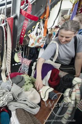 Alt, gebraucht, ungeliebt? Und dennoch für den Müll zu schade? Eintauschen beim Klamottenkarussell im HOT !