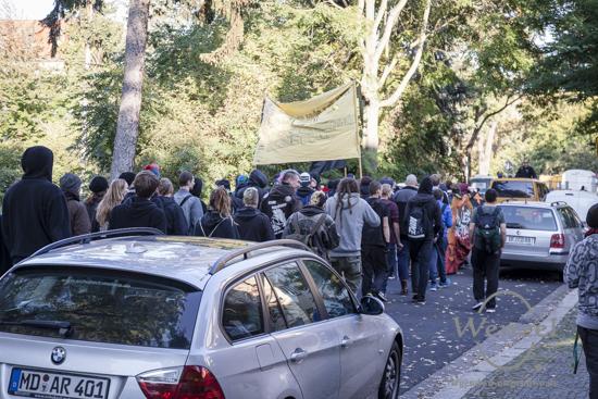 Kiezdemo der Stadtfelder Mietrebellen gegen Gentrifizierung