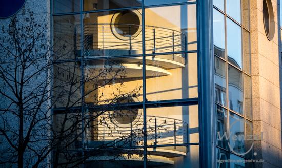 Allee Center - Spiegelung - Blickwinkel Magdeburg