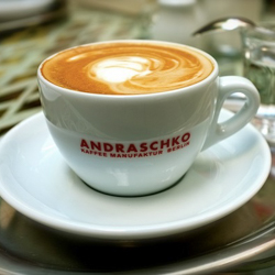 Strudelhof Magdeburg - Ambiente im Wiener Kaffeehausstil