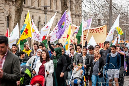 Demonstration von Syrern und Kurden in Magdeburg –  Stoppt endlich die Kämpfe!