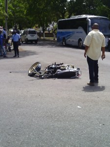 Biker collides with bus along Ocho Rios bypass