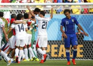 Costa Rica shocks Italy to advance to World Cup round of 16