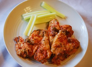 Slow Cooker Hot Garlic Chicken Wings