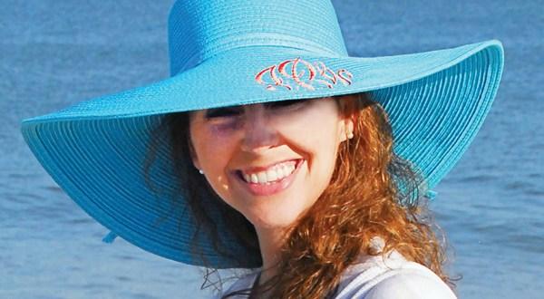 Cappelli alla moda da indossare in spiaggia