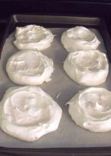 how to tell if pavlova is cooked