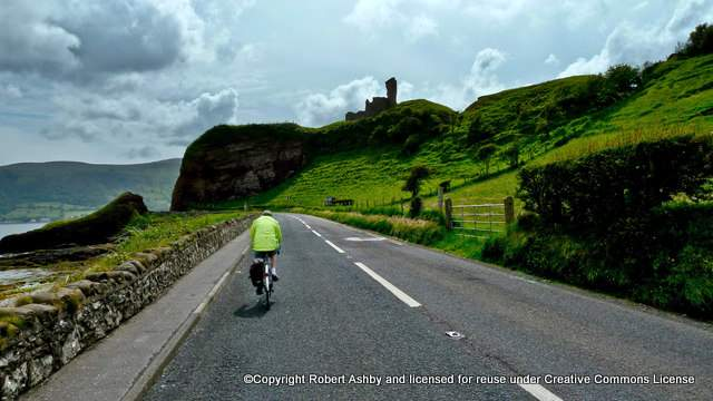 cycling-on-the-antrim-coast-road