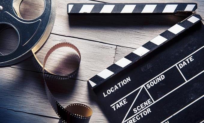 Greydanus provides a decent place for decent film reviews