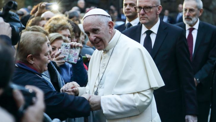 Pope meets abuse survivors most Fridays, Vatican confirms