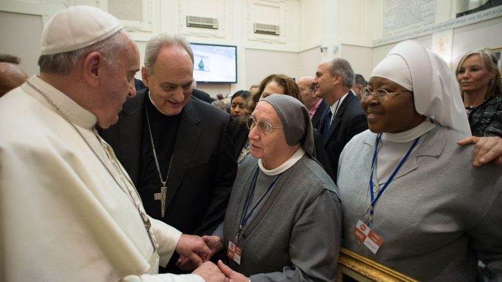 Italian nun, anti-trafficking leader to pen Pope's Lenten meditations