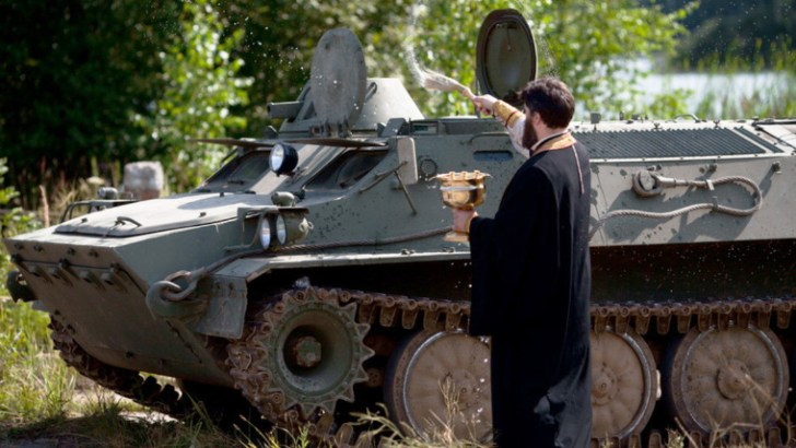 Russian Church debates ban on blessing of weapons