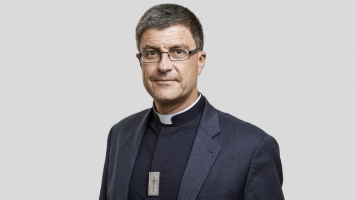 Don't surrender procreation to 'medical manipulation', bishops urge