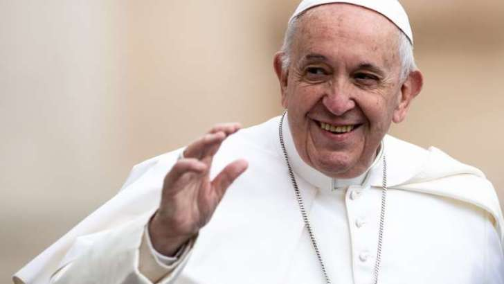 Don't settle for mediocrity and seek the truth, Francis tells students