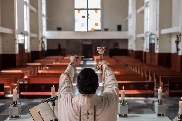 Survey of bishops reveals how pandemic has shaken parish life