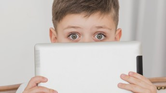 Entertaining kids without a screen