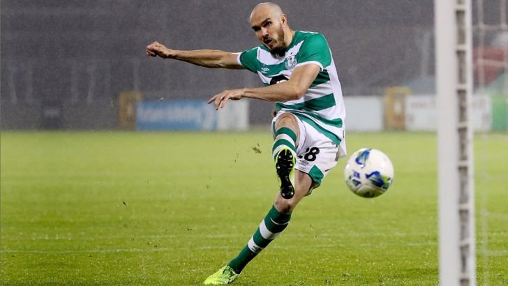 Shamrock Rovers player prays to St Anthony before AC Milan match