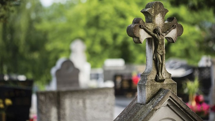 Grave visits will be 'great solace' in second lockdown