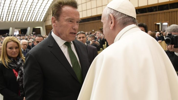 Schwarzenegger asks for 'servant's heart' from politicians